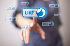 Κρύβοντας την σκληρή αλήθεια της ζωής σου στο Facebook (VIDEO)